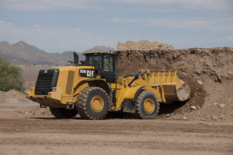 CATERPILLAR IS BUILT FOR IT<sup>™</sup> AT CONEXPO-CON/AGG